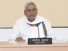 कोरोना संकट: तेजस्वी यादव ने नीतीश कुमार से कहा- हम आपके साथ हैं, तो CM बोले- हालात सुधरने दीजिए, फिर...