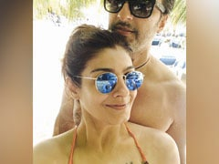 Raveena Tandon's Fix For Lockdown Blues - Daydreaming About Sunny Days On The Beach