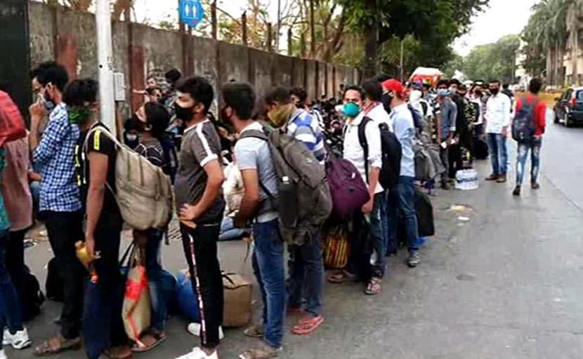 देश में 4 करोड़ प्रवासी मजदूर, अबतक 75 लाख लौट चुके हैं अपने घर: गृह मंत्रालय
