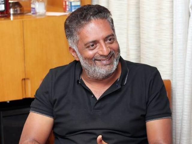 Prakash Raj को बेंगलुरू में हुई हिंसा पर आया गुस्सा, बोले- यह कुछ और नहीं बल्कि...