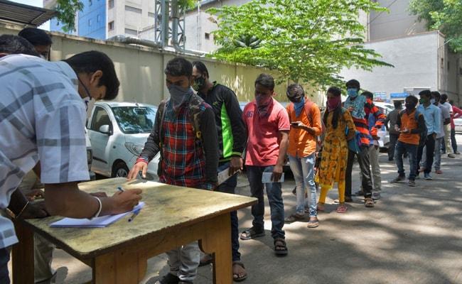 Seit einem Monat ohne Arbeit, stranden gestrandete Migranten wieder in Bengaluru