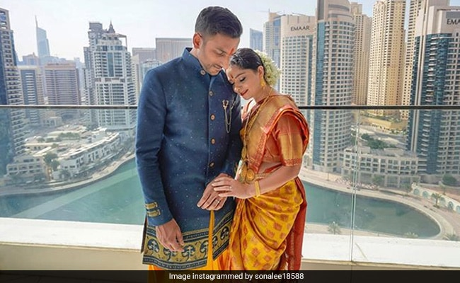 Trending: Pics From Sonalee Kulkarni And Kunal Benodekar's Engagement