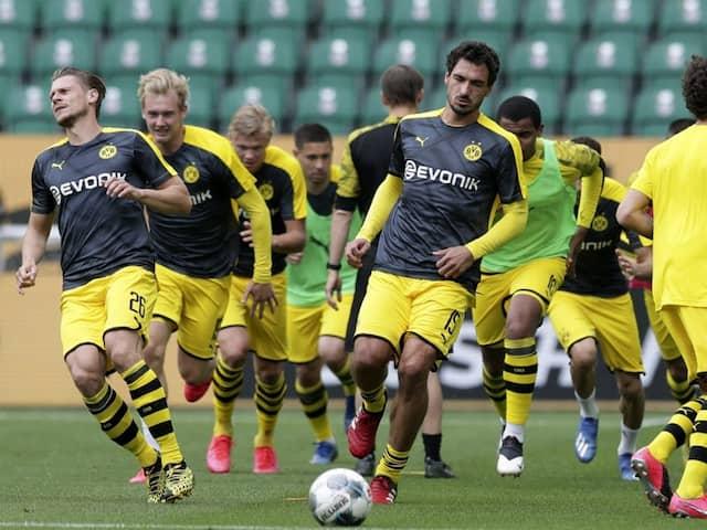 "Mats Hummels ""99 Per Cent"" Ready For Borussia Dortmunds Showdown With Bayern Munich"