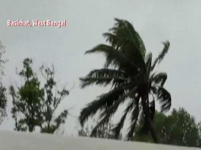 Video : Cyclone Amphan Leaves Behind Massive Destruction After Making Landfall In Bengal