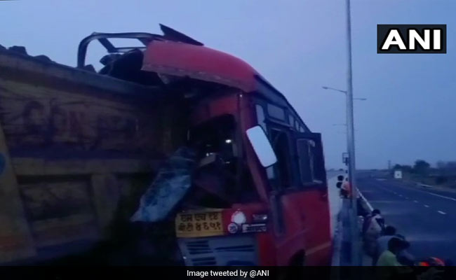 3 Migrant Labourers, Driver Killed In Bus Accident In Maharashtra