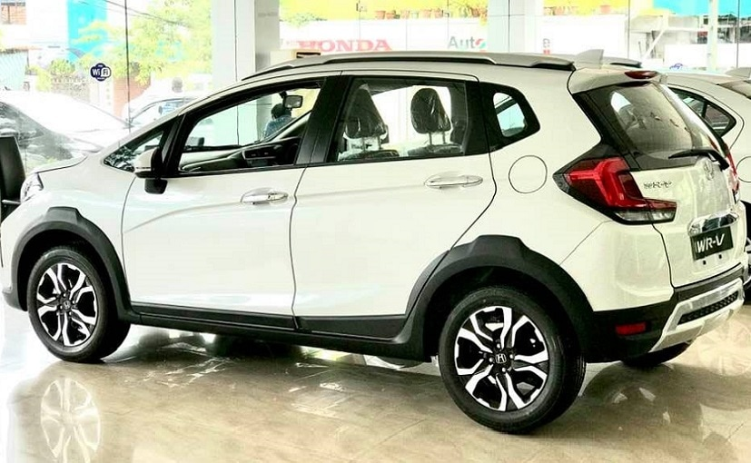 2020 Honda WR-V Facelift has started arriving at the dealerships ahead of launch