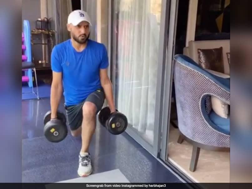 """""""Building Kampp Rayi Aa"""": Virat Kohlis Hilarious Take On Harbhajan Singhs Workout Video"""