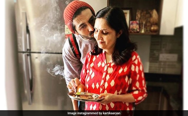 Kartik Aaryan Did Not Post A Mother?s Day Pic. So, This Is What His Mom Did