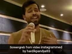 हार्दिक पांड्या ने भाई संग मिलकर गाया 'तेरी मिट्टी' सॉन्ग, तो गर्लफ्रेंड नताशा बोलीं- ओए होय! देखें Video
