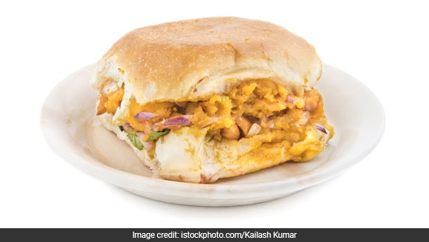Masala Omelette Pav: How To Make This Popular Street Food Of Mumbai