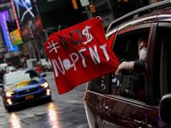 """No Money, No Rent"": New York Protesters Demand Financial Help Amid Crisis"