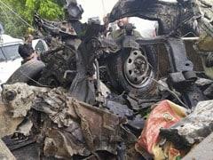 जम्मू-कश्मीर : पुलवामा में सुरक्षाबलों ने नाकाम किया 2019 जैसा हमला, कार में था 40 किलो IED, ड्राइवर फरार