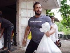 Salman Khan's Farmhouse Lockdown Buddies Iulia Vantur, Jacqueline Fernandez Add To His Grocery Donation