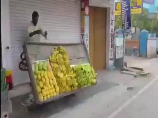 Video : On Camera, Tamil Nadu Officer Topples Vegetable Carts, Blames It On Stress