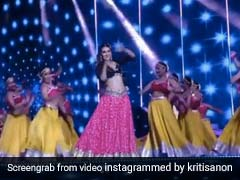 Kriti Sanon Dance On Kajra Re Song Like Aishwarya Rai Video Viral On Internet