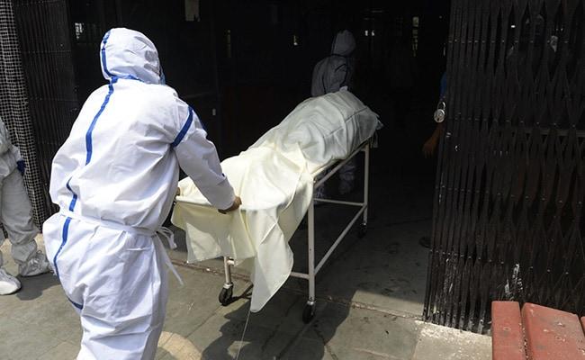 भारत में महज 14 दिन में कोरोना से 50 हजार मौतें हुईं, 46 दिनों में एक लाख से ज्यादा मरीजों ने दम तोड़ा
