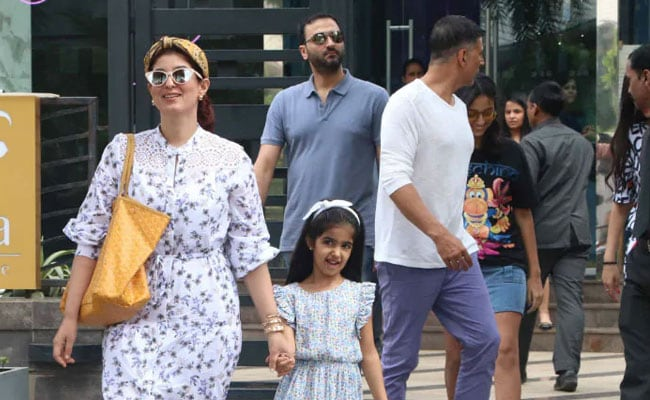 Twinkle Khanna Has A 'Confession' To Make To Her Daughter Nitara. Read Her Post
