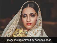 This Is What Sonam Kapoor Loves 'Jamming' On When Hunger Strikes