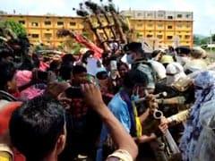 बस्तर: तेंदूपत्ता का नकद भुगतान न होने से नाराज आदिवासियों ने किया विरोध प्रदर्शन