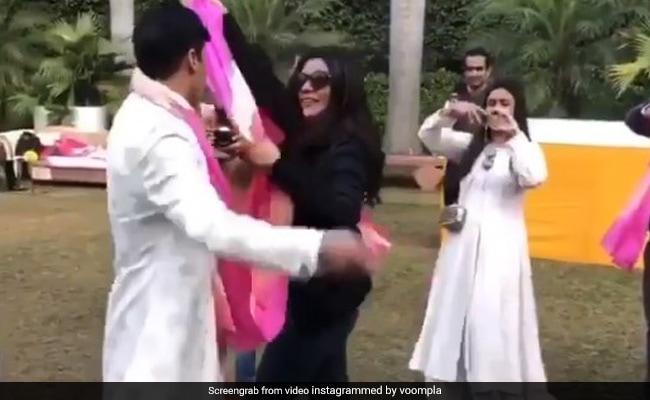 सुष्मिता सेन ने शादी में दूल्हे संग यूं किया डांस, खूब वायरल हो रहा थ्रोबैक Video
