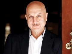 Anupam Kher Donates Oxygen Concentrators, BiPAP Machines To Mumbai Civic Body