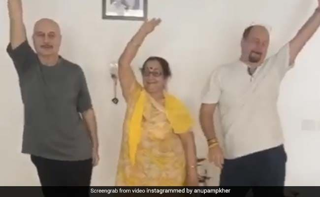 Anupam Kher Presents The 'Mother Of All Dances' In This ROFL Clip With Mom Dulari And Brother Raju