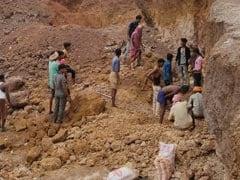 मध्य प्रदेश: मिट्टी खदान धसकने से 5 मजदूरों की मौत, 6 घायल, 10 ग्रामीणों के अंदर फंसे होने की खबर