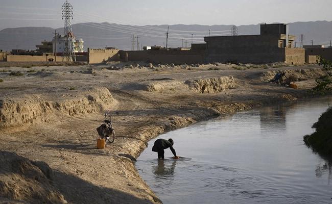 Afghan president meets U.S. peace team in Kabul