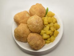 Indian Cooking Tips: How To Make Luchi - Bengal's Popular Breakfast Staple (Recipe Video Inside)