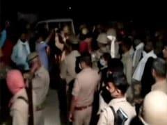 UP पुलिस में नौकरी लगी, तो प्रेमी से बना ली दूरी, लड़की के घरवालों ने युवक को पेड़ से बांधकर जिंदा जला डाला