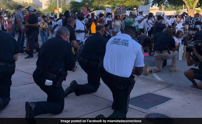 Miami Police Personnel Kneel In Solidarity As US Face Race Protests