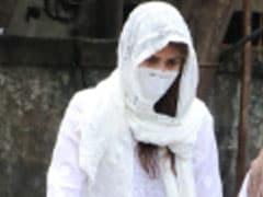 Sushant Singh Rajput: सुशांत को अंतिम विदाई देने के लिए पहुंची श्रद्धा कपूर, बारिश में भीगती आईं नजर- देखें Video