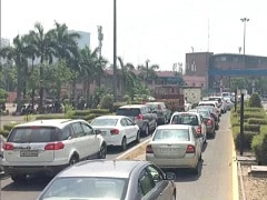 Over 1100 Vehicles Penalised By Noida Police For Violating COVID Norms