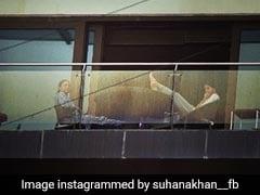 सुहाना खान मम्मी गौरी खान के साथ बालकनी में बारिश का यूं लुत्फ लेती आईं नजर, Photo हुईं वायरल