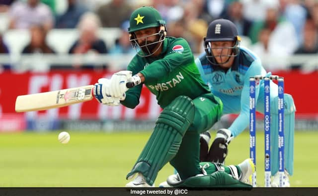 10 pakistan player tested positive for COVID19 fans react on it