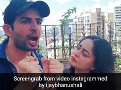 Video: टीवी एक्टर जय भानुशाली ने उड़ाया आरोग्य सेतू का मजाक, बोले- धरती पर कोरोना और घर में बीवी...