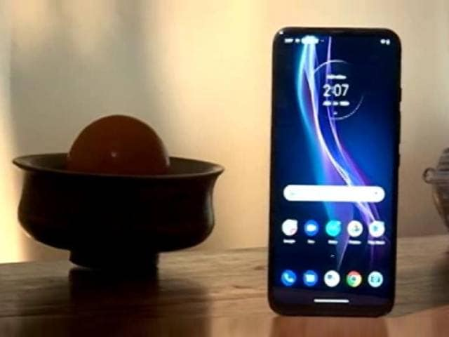 Video : All About iOS 14 And Motorola One Fusion+ Review