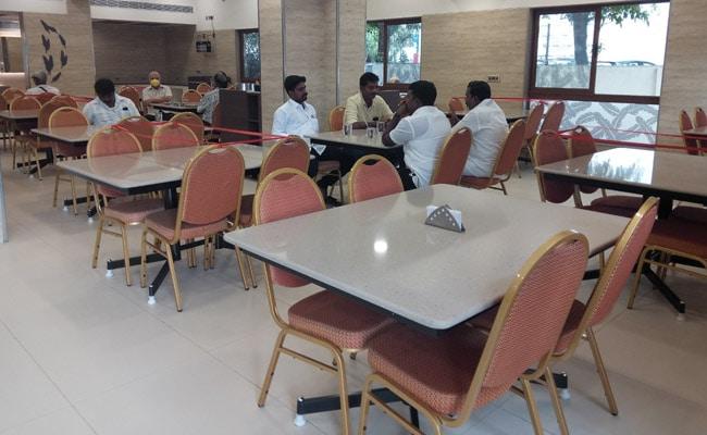 Sluggish Reopening For Restaurants In Chennai Amid COVID-19 Spike