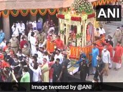 गुजरात: भगवान जगन्नाथ मंदिर परिसर में ही रथ यात्रा आयोजित की गई