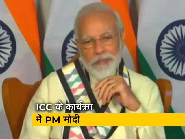 Video : सभी चुनौतियों से एक साथ मिलकर लड़ रहे हैं : PM मोदी