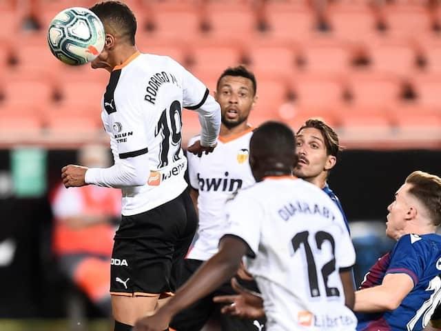 La Liga: Valencia And Getafe Stumble In Race For Top Four