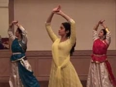 When Janhvi Kapoor Danced To Madhuri Dixit's Song <I>O Re Piya</I>