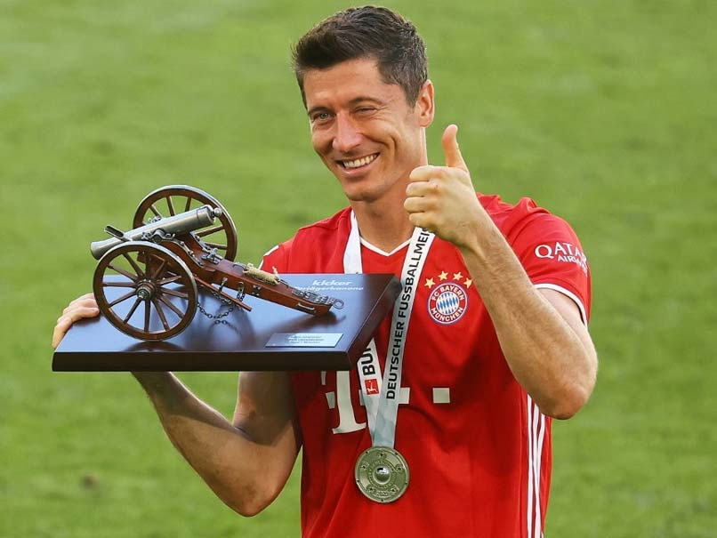 "Robert Lewandowski ""Best Centre-Forward"" In The World, Says Bayern Munich Chairman"