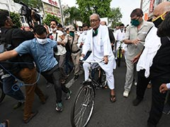 Digvijaya Singh's Cycle Protest Against Fuel Price Hike