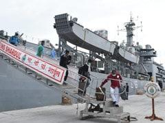 ईरान में फंसे 233 भारतीयों को लेकर गुजरात पहुंचा नौसेना का युद्धपोत INS शार्दुल