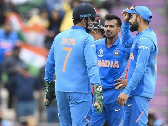 Yuzvendra Chahal Shows Love For MS Dhoni On Sakshis Instagram Live
