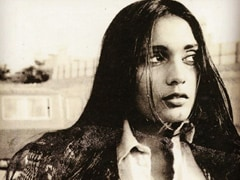 "Anu Aggarwal Says She Was ""Ill-Treated By Jealous People"" After <i>Aashiqui</i>"