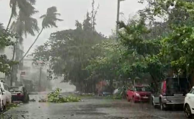 Nisarga cyclone: महाराष्ट्र में तूफान से 6 लोगों की मौत, राज्य के 14 जिले प्रभावित