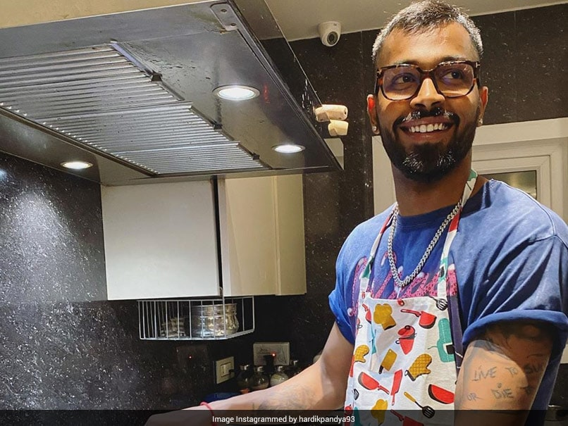 Cricketer Hardik Pandya Wins Internet With His 'Chef Duties', Can You Guess What He Cooked