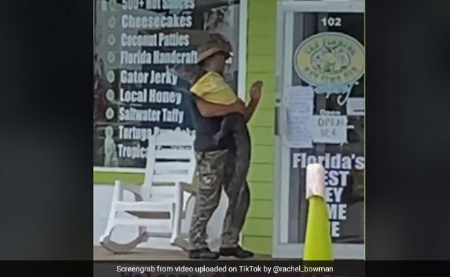 "Florida Man And His Pet Alligator ""Sweetie"" Are Winning TikTok"